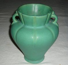 Arts & Crafts era by Weller Craftsman Clocks, Craftsman Style, Weller Pottery, Arts And Crafts Furniture, Green Vase, Vintage Vases, Arts And Crafts Movement, Ceramic Clay, Hampshire