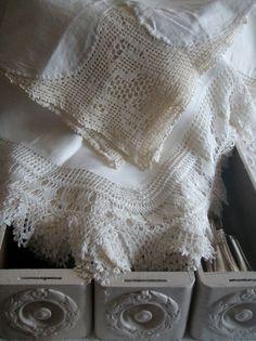 More wonderful antique filet crochet lace ~~ Ana Rosa