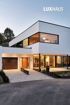 LUXURY HOUSE heart The new model house in Bad Vilbel show house constructio House Architecture Styles, Architecture Design, Drawing Architecture, Architecture Panel, Architecture Portfolio, Contemporary Architecture, Modern Contemporary, Modern Glass, House Front Design