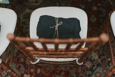 Deatlhes que Encantam o Coração | Villa Giardini | Natal da Villa | Mantinhas nas Cadeiras