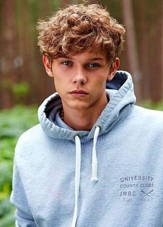 Haircut For Men With Curly Hair Teen Hairstyles Ideas Teenage Boy Hairstyles, Boys Curly Haircuts, Teen Boy Haircuts, Boys With Curly Hair, Curly Hair Cuts, Haircuts For Men, Curly Hair Styles, Hair Styles For Boys, Brown Hairstyles