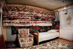 Folk Art - Maramures Steel Rod, Mexican Art, Zoro, Folklore, Art Designs, Drums, Beautiful Homes, Roots, Bedrooms