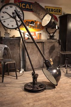 Nice huge industrial light, not a Jielde but really nice! Industrial Style Furniture, Vintage Industrial Lighting, Industrial Interior Design, Industrial Living, Industrial Interiors, Industrial Farmhouse, Pipe Lighting, Cool Lighting, Style Deco