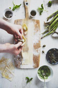 Quick Pesto Tortellini with Asparagus and Capers