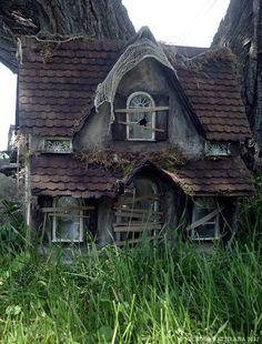 Pixie Hill: The abandoned house is done!  @Elisabetta Modini, @Serena Marangoni: TROVATA la Location!!!!