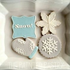 Christmas / winter cookies by The Painted Pastry. - Christmas / winter cookies by The Painted Pastry. Fancy Cookies, Iced Cookies, Cute Cookies, Cupcake Cookies, Frozen Cookies, Noel Christmas, Christmas Baking, Simple Christmas, Christmas Crafts