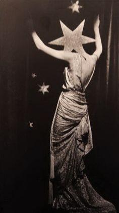 frenchtwist:    via regardintemporel:    Dora Maar - Sans Titre, 1936
