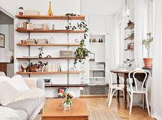 Piccola, ma anche moderna, versatile, efficiente, aperta alla convivialità: 10 consigli di arredamento per sfruttare al meglio tutto lo spazio a disposizi