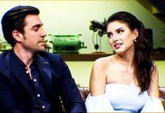 Caglar Ertugrul and Deniz Baysal during an interview APRIL Donnie Darko, Vogue Men, Turkish Beauty, Narusasu, Turkish Actors, Tv Series, Interview, Couples, Women