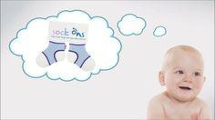 Sock Ons son pequeñas cosas inteligentes que mantienen las medias del bebé siempre puestas!  Mantener los calcetines en los pies de su bebé en una noche de frío o durante un viaje largo no es una tarea simple. Un pequeño empujón, un tirón en los dedos de los pies y están fuera. Y por supuesto, siempre es una media de cada par que se pierde!