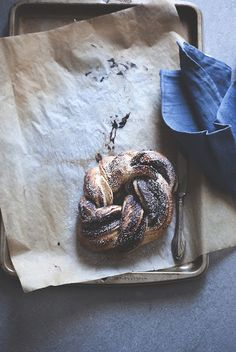 Mon petit bistrot Chocolate Brioche, Cinnamon Rolls, Food Styling, Food Inspiration, Bread, Pane, Dolce, Cooking, Breakfast