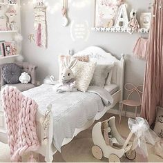 Dusty pink, greys and white styling inspo. Pic credit @missariarose #kidsinterior #kidsroom #kidsbedroom #childrensroom #childrensinteriors #kidsdecor #decor #kidsbedroominspiration #childrensbedroom #childrensspaces #girlsroom #girlsbedroom #interiorinspo #bedroom #interiors #roxyoxycreations