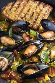 Sea Food, Pot Roast, Paella, Greece, Ethnic Recipes, Kitchens, Carne Asada, Greece Country, Roast Beef
