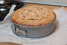 Hollandse appelcake Cake Cookies, Cupcake Cakes, Cupcakes, Muffins, Dutch Recipes, Pie Dessert, Baked Apples, Healthy Baking, High Tea