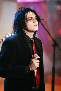 Take this Quiz and find if you'reMore Andy Biersack or Gerard Way