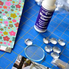 Aaaaaaaaaaand we're back! :) Did you think I was ever gonna come back? Today we are going to make cute little glass magnets. Marble Magnets, Glass Magnets, Diy Magnets, Spring Crafts, Holiday Crafts, Fun Crafts, Crafts For Kids, Paper Crafts, Great Teacher Gifts