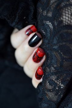 Marine Loves Polish: Nailstorming - Sexy, Burlesque & Dentelle nail art…