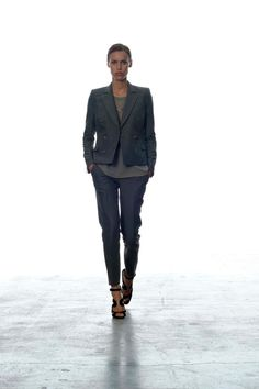 SPRING 2013 READY-TO-WEAR  BLK DNM