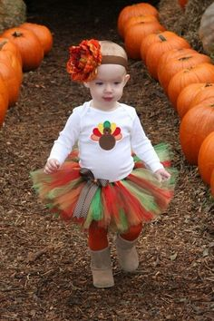 I want to make a Thanksgiving tutu kind of like this for her first Thanksgiving :)