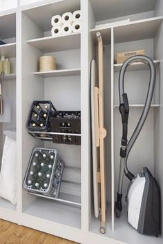 Open laundry storage | design & build: Leicht