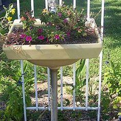 Awesome Website for Small Garden Inspiration :: Hometalk