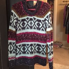 Free people sweater Like new. Super comfy and think. Very nicely made. Fits like an oversized sweater Free People Sweaters