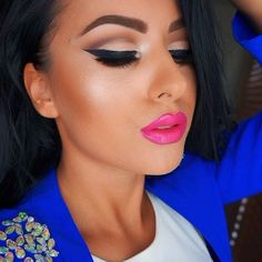 love the pink lip with blue top