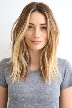 """This Is The Evolution Of The """"It"""" Hairstyle Over The Years #refinery29 http://www.refinery29.com/2016/12/131539/popular-haircuts-celebrity-inspired#slide-14 The Year: 2015The Cut: The textured lobThe Woman: Many, but it's this image of actress Arielle Vandenberg that went viralLast year, you couldn't swipe a finger on Instagram without seeing woman after woman sporting a lived-in lob. """"I created the versatile, mid-len..."""