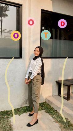 Hijab Fashion Summer, Modern Hijab Fashion, Hijab Fashion Inspiration, Modern Vintage Fashion, Ootd Fashion, Boyish Outfits, Cute Skirt Outfits, Cute Skirts, Simple Outfits
