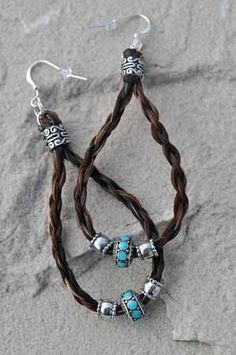 Maille earrings horse hair earrings in silver & turquoise – Retired – www.spirit… Maille earrings horse hair earrings in silver & turquoise – Retired – www.spirithorsede… – Find your next pair of earrings – Second Crafting Leather Earrings, Leather Jewelry, Beaded Earrings, Beaded Jewelry, Silver Earrings, Horse Hair Bracelet, Horse Hair Jewelry, Homemade Jewelry, Western Jewelry