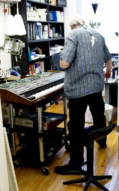 Jeff working on a sequential circuits (T8 I think)