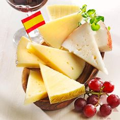 Vier leckere Käsesorten aus Spanien: Schnittkäse mit Kuh, Ziegen- und Schafsmilch