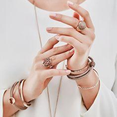 Неподражаемый и единственный среди всех — Qudo. Заказывайте кольца, серьги, колье и браслеты прямо в нашем профиле!  🔹узнать стоимость, оформить заказ и задать любые вопросы вы можете в комментариях к этому посту.  #langery #langeryru #langeryshop #langery_shop #langery_ru #qudo #braslet #earrings #jewerly #style #leather #decor #серьги #кольцо #серьги #элитнаябижутерия #магазинукрашений #стильбольшогогорода #премиумкласс #cyne #тренд #bestphoto #model #gold #заказать #купить #магазин #мск…