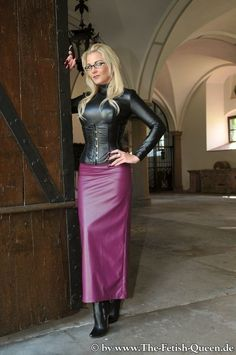 Dresses With Leggings, Tight Dresses, Sexy Dresses, Crazy Outfits, Sexy Outfits, Fall Outfits, Leather Corset, Leather Pants, Hobble Skirt