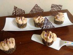 Cupcakes de pera y manzana Napkin Rings, Napkins, Cupcakes, Home Decor, Cupcake Cakes, Decoration Home, Towels, Room Decor, Dinner Napkins