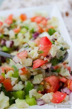 Receita de Tabule de Couve Flor – Receitinhas de Verão. Para ver a receita desta salada, clique na imagem para ir ao Manga com Pimenta.