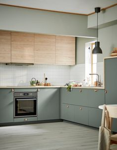The IKEA Spring Catalog 2020 has been released, packed with smart Scandi design inspiration Kitchen Room Design, Kitchen Cabinet Design, Modern Kitchen Design, Home Decor Kitchen, Interior Design Kitchen, Kitchen Furniture, Home Kitchens, Kitchen Ideas, Ikea Kitchen Cabinets