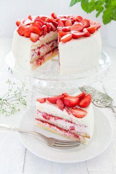 Summer Cakes, Easy Cake Decorating, Sweet Pie, Food Cakes, Vanilla Cake, Tea Time, Panna Cotta, Cake Recipes, Strawberry