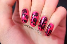 black roses nails