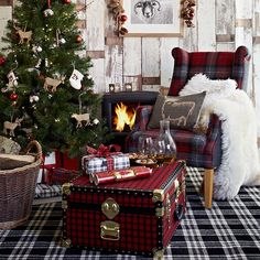 Highland living room | Country Christmas living rooms | Living room | PHOTO GALLERY | Country Homes & Interiors | Housetohome.co.uk