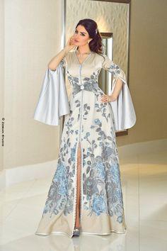 19 Ideas for dress formal hijab modern abaya Arab Fashion, Muslim Fashion, Womens Fashion, Beautiful Dresses, Nice Dresses, Modern Abaya, Moroccan Caftan, Caftan Dress, Hijab Dress