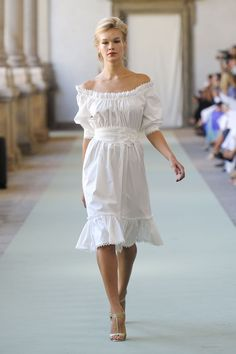 Inspiration for 1950s fashion trend as seen on the spring 2012 runways.
