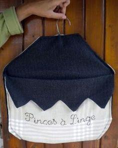 clothespins bag … - Do it ! Fabric Advent Calendar, Clothespin Bag, Peg Bag, Diy Bags Purses, Coat Hanger, Sewing Clothes, Sewing Hacks, Week End, Crayons