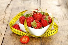 Nutrition And You: Tips To Boost Your Nutrition Habits Healthy Tips, Healthy Choices, How To Know, How To Make, Nutrition Tips, Strawberry, Health Fitness, Fruit, Blood Sugar
