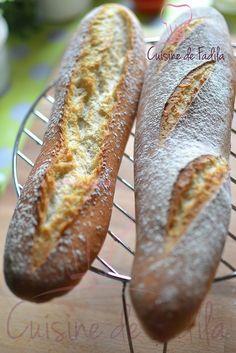 Bonjour  Depuis que je me suis procurée le Larousse du Pain d'Eric Kayser je n'arrête pas de faire mon pain . J'ai testé 3 recettes pour l'instant et toutes ont eu un … Lire la suite