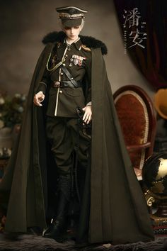 Military uniform : green/Qine Military uniform Military uniform : green/Qine Military uniform Source by lisitsevavika. Military Fashion, Mens Fashion, Fashion Outfits, Male Clothes, Mode Man, Anime Military, Drawing Clothes, Character Outfits, Bjd Dolls