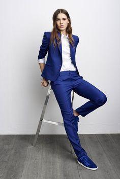 I love this blue suit AND the kicks!! Lookbook Comptoir des Cotonniers - Automne/hiver 2015-2016