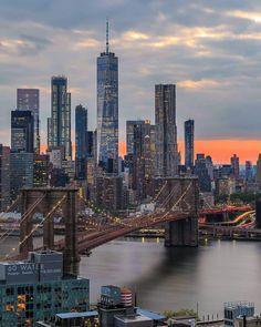 """Du Pont de Brooklyn, vue sur le nouveau """"One World trade center"""" de New York"""