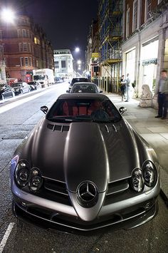 Car drak grey SLR Mc Laren