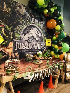 Birthday Party At Park, 5th Birthday Party Ideas, Dinosaur Birthday Party, 7th Birthday, Dinosaur Party Invitations, Dinosaur Party Decorations, Birthday Party Decorations, Jurassic World, Festa Jurassic Park